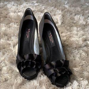 Nina Satin Black Platform Heels size 7